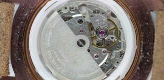 Under carriage of an expose Watch